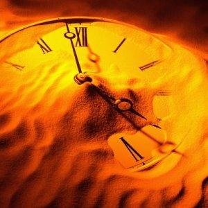 E o relógio de ponteiros... já ficou olhando para ele durante aquela fração de segundo entre um ponto e outro, tão necessária para que ponteiro mude o tempo?