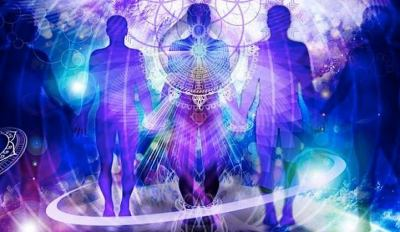 Muitos são os anjos que nos acompanham. Poucos são aqueles que se deixam tocar por eles.